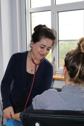 maryam kazemi consulting with subject